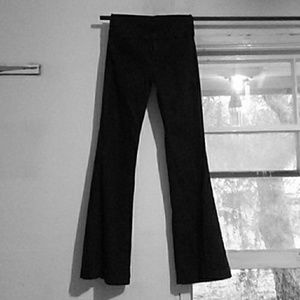 7 FOR ALL MANKIND SZ 27X34 BELLBOTTOM BLACK JEANS